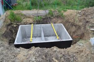 zmontaż zbiornika betonowego